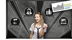 Schülerin vor einer Tafel neben einem Störer mit der Aufschrift: SCHÜLER-BUSINESS-AWARD